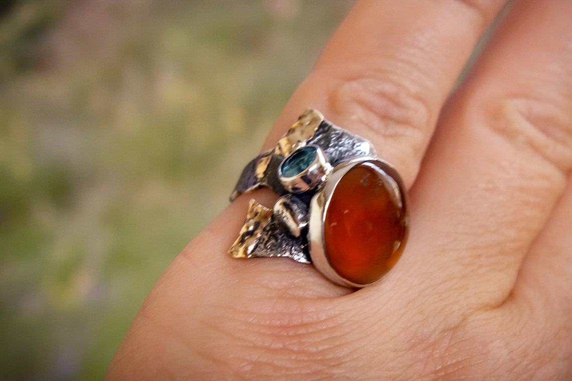 Ring with pomegranate (spessartine)