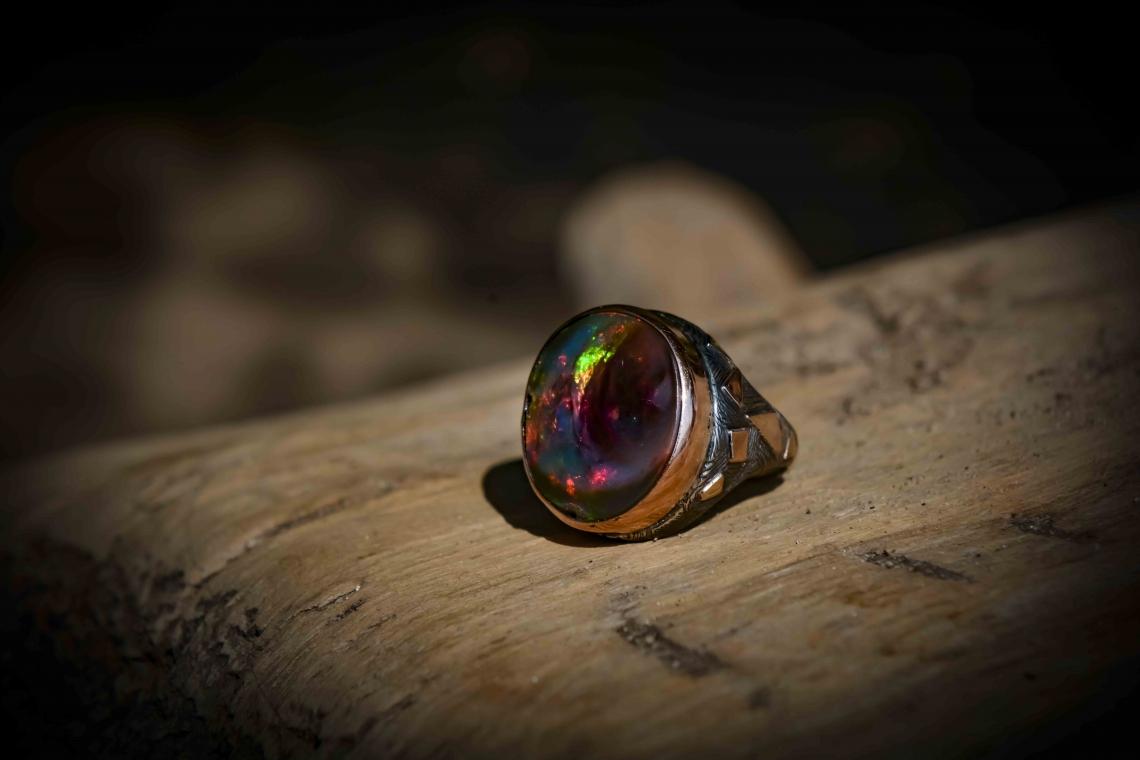 Кольцо с  круглым опалом