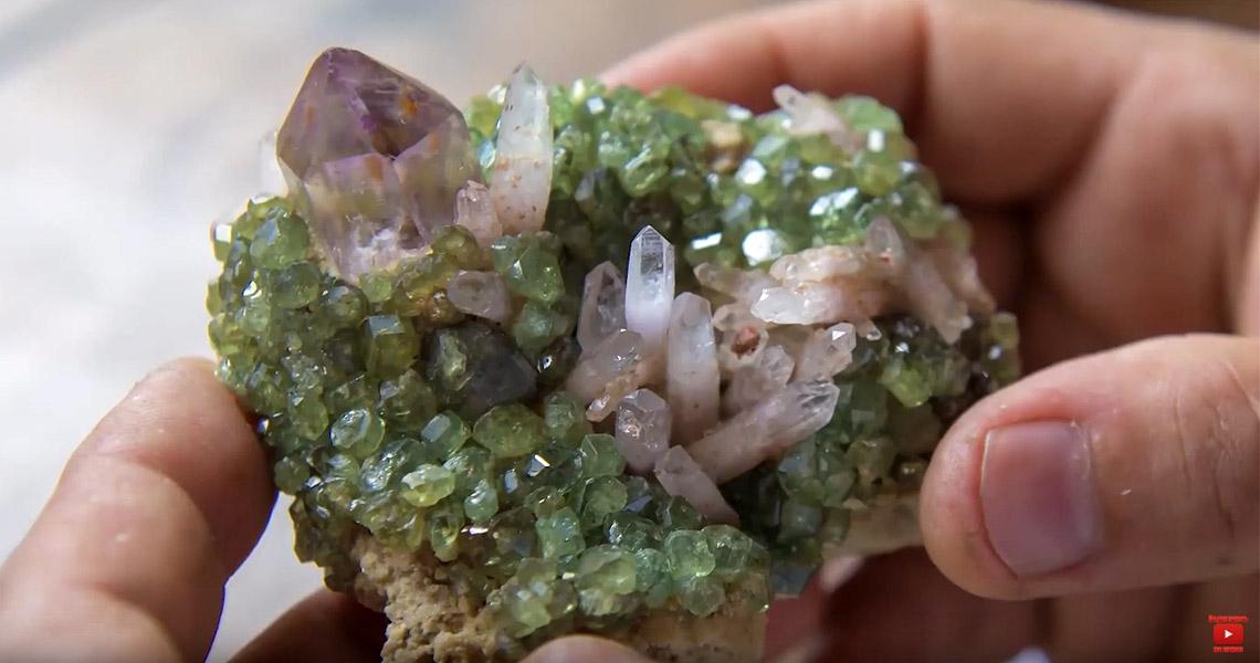 Madagascar Gems Market. Рынок драгоценных камней